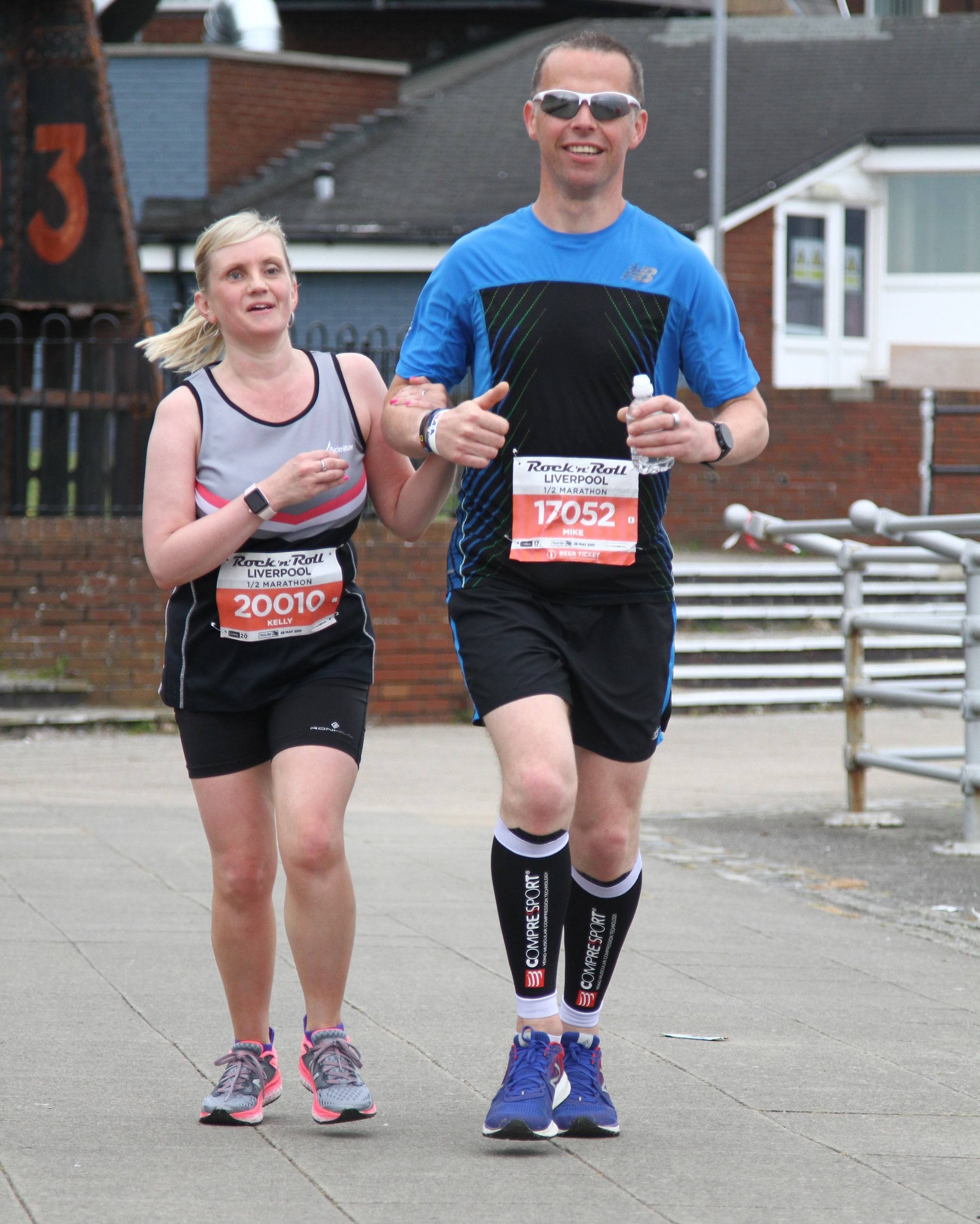 Kelly and guide Mike running the Liverpool Rock n Roll Half Marathon