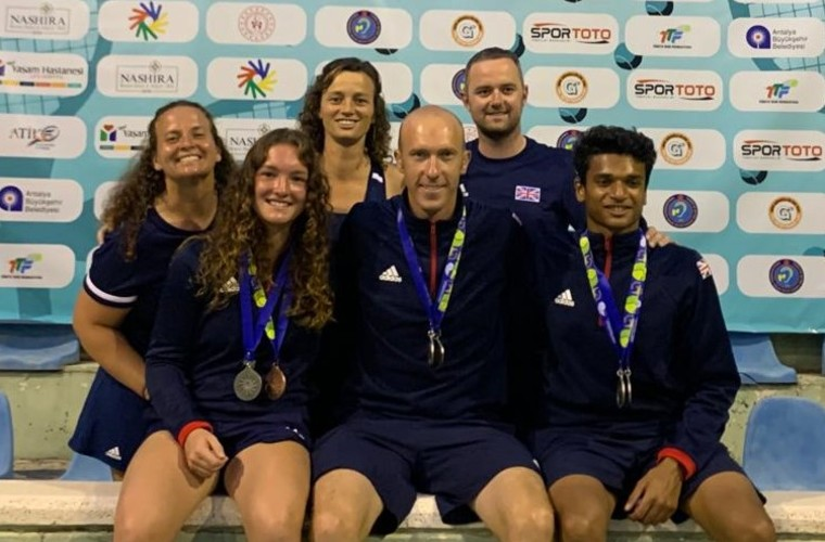 Great Britain Deaf Tennis Squad with their World Deaf Tennis Championships medals